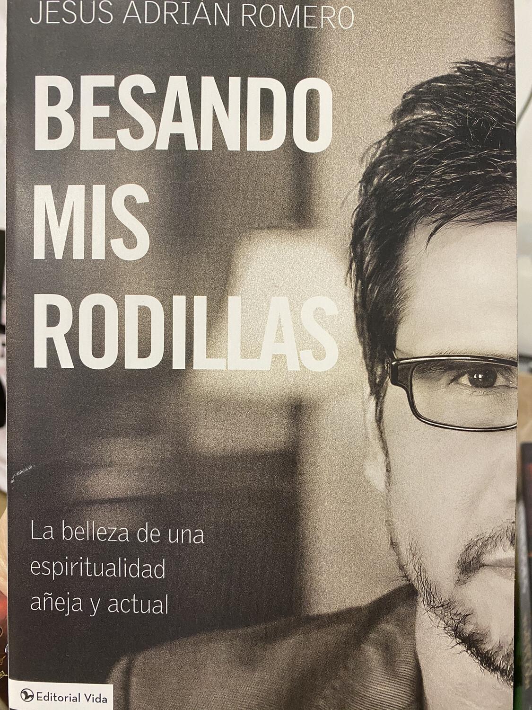 Romero, Besando Mis Rodillas