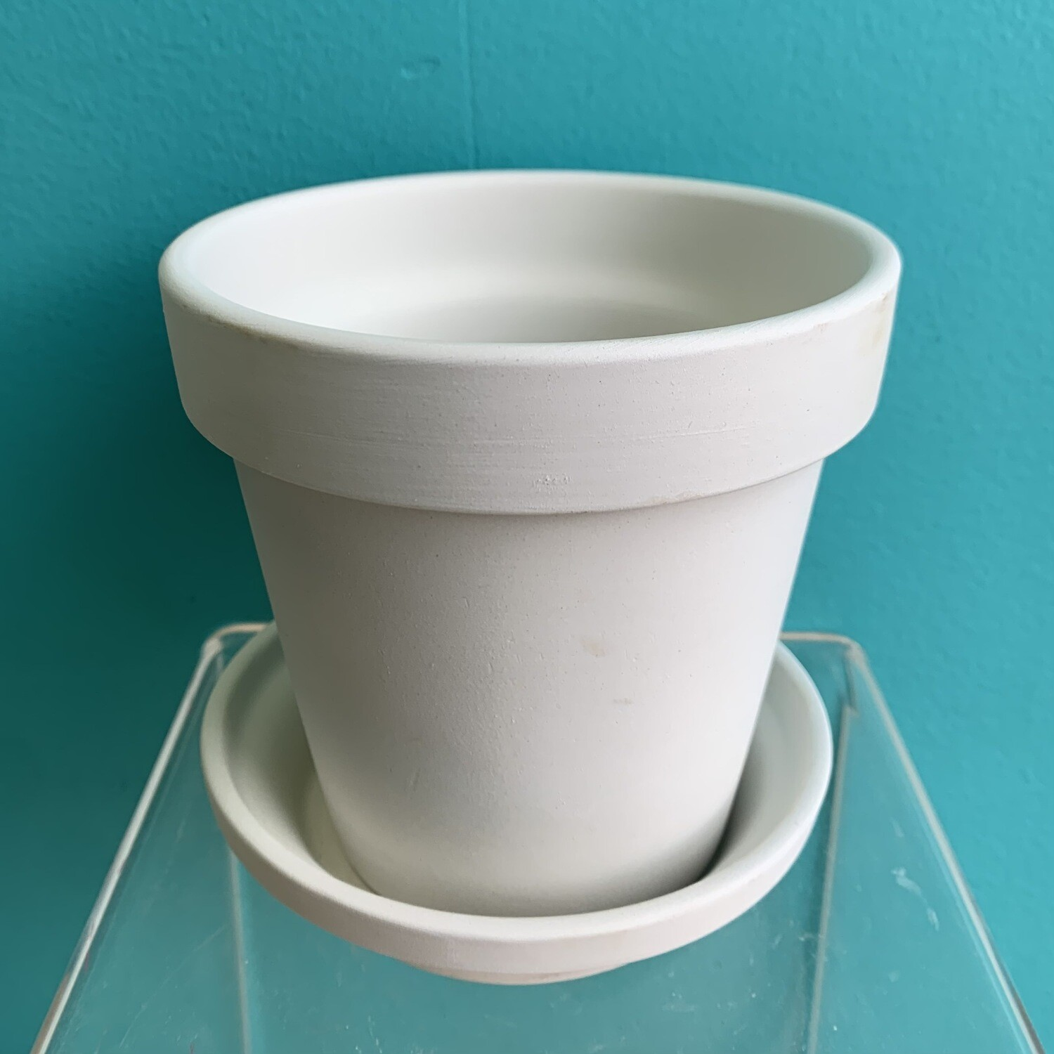 Small Traditional Flower Pot W/ Saucer