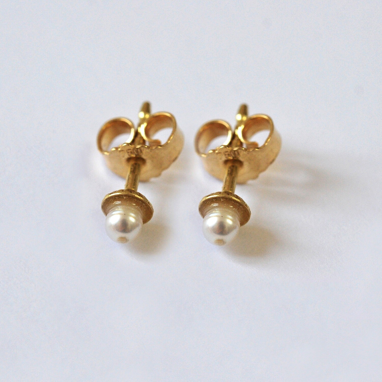 BOUCLES D'OREILLES Perles d'eau douce or jaune 18 carats