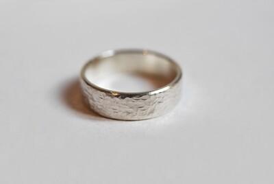 Anneau Martelé en argent largeur 5 mm et 4 mm