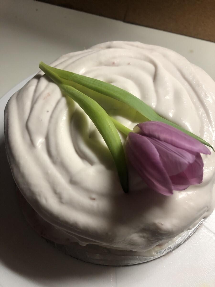 Кето торта лайм и ягоди
