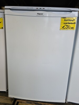 HOTPOINT ICED DIAMOND FREEZER UNDER THE COUNTER 85 CM TALL 55 CM WIDE
