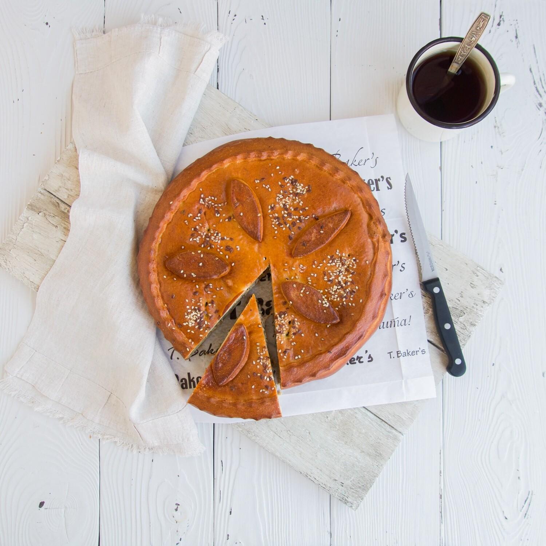 Пирог мясной с сыром