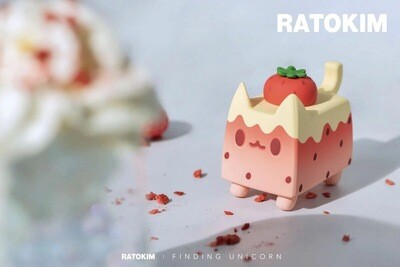 RATOKIM Drinking Box Cat - Strawberry Milk