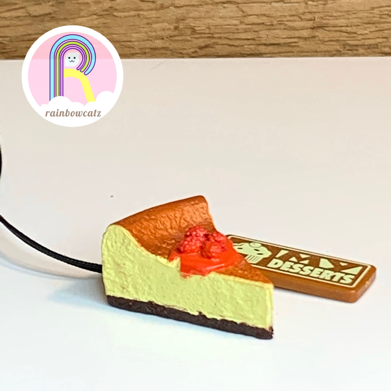 Mini Strawberry Cheese Cake Strap