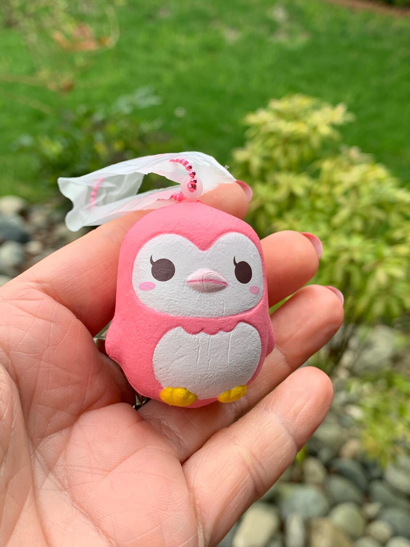 iBloom Mini Mashlo Marshmallow Squishy (Pink penguin)