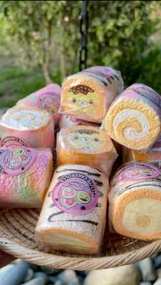 Creamiicandy x Puni Maru Mini Cake Rolls Squishy Toys