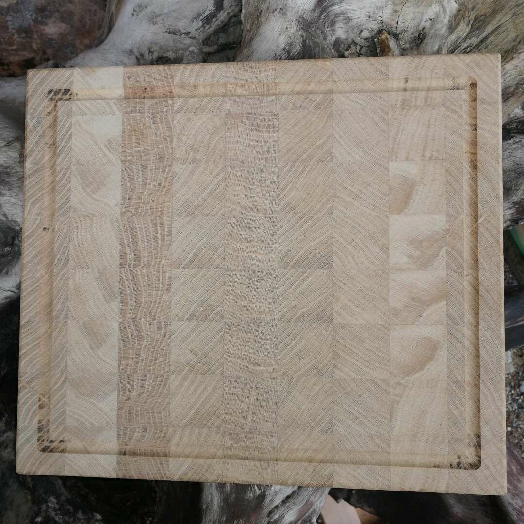 Hirnholz-Schneidbrett aus Eiche