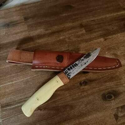 Наружный нож с клинком от MG 151 (бортовая пушка немецких летчиков-истребителей). Ручка из рога оленя 30.000 летней выдержки и терновника.