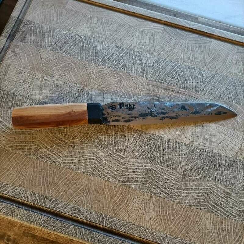 Küchenmesser mit Klinge aus einem Kettenbolzen vom Königstiger aus dem 2 Weltkrieg