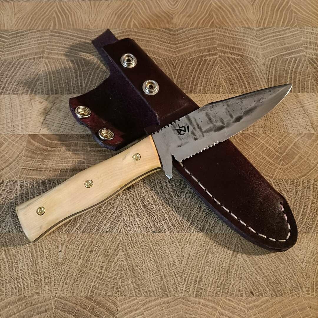 Outdoor bzw. Jagdmesser mit Klinge aus 1.2003, Griffschalen aus Buchsbaum