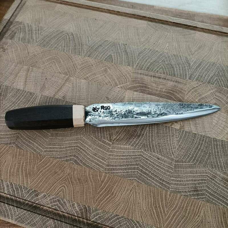 Küchenmesser mit Klinge aus einem Kettenbolzen vom Raupenschlepper OST aus dem 2 Weltkrieg.