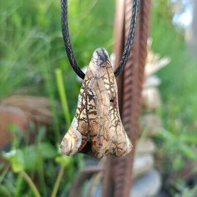 Цепочка Кулон. Щечный зуб немецкого мамонта, стабилизированный рогом буйвола.