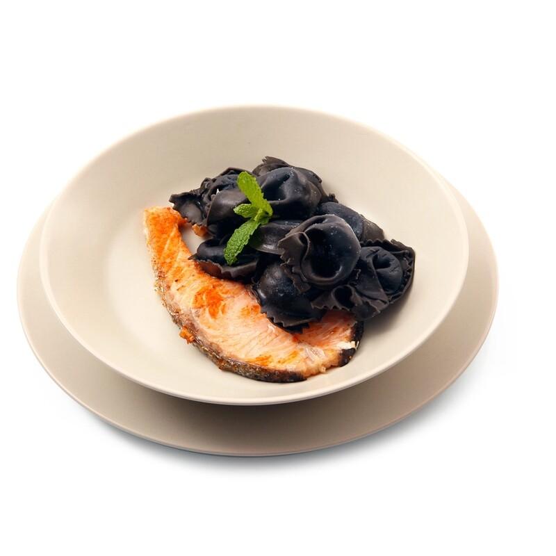 Tortelli al Nero di Seppia con Salmone