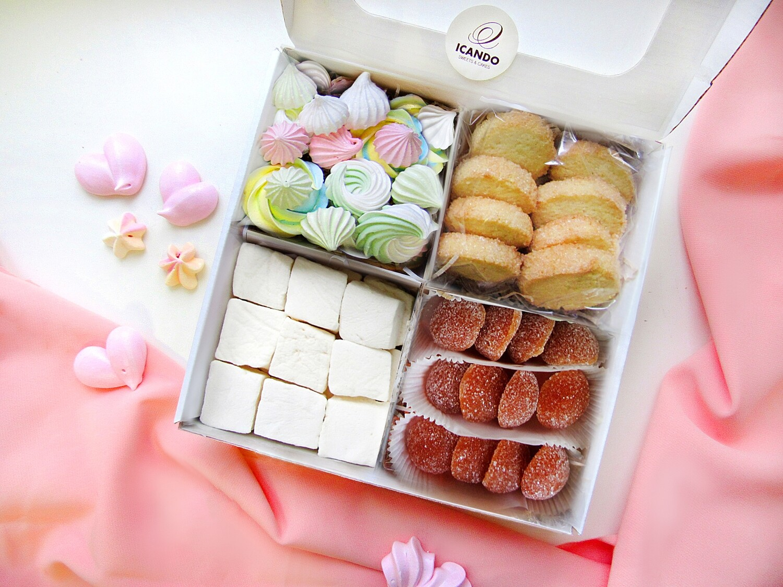 """""""Маршмеллоу, Безе, Мармелад, Песочное печенье"""", коробка набор сладостей"""