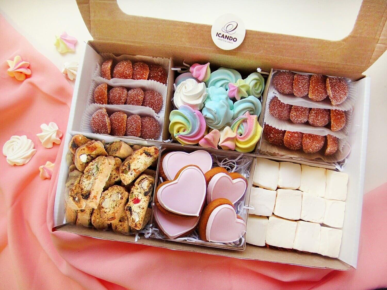 """""""Много Сердец"""", подарочный набор сладостей"""
