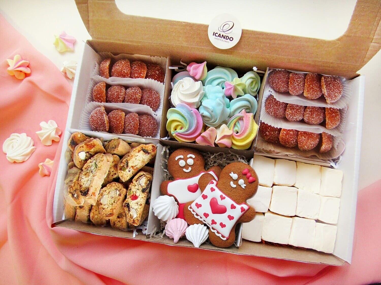 """""""Влюблённая Парочка №3"""", подарочный набор сладостей"""