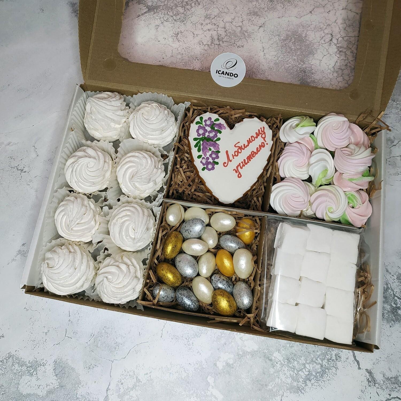 """""""Любимому Учителю"""" №3, подарочный набор сладостей"""