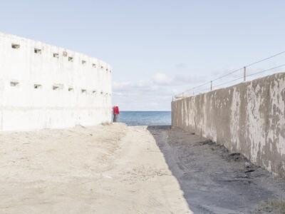 Adriano Nicoletti, Solitary beach