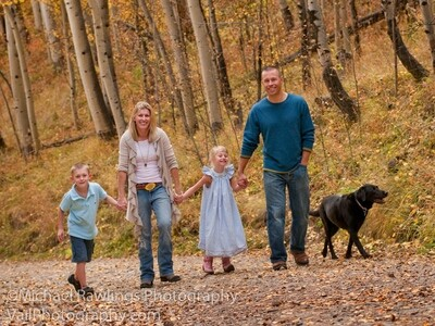 $500 INVEST IT FORWARD gift certificate to be used for any portrait photography services or products. Save 20%
