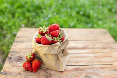 Strawberries Organic/ 1 lb