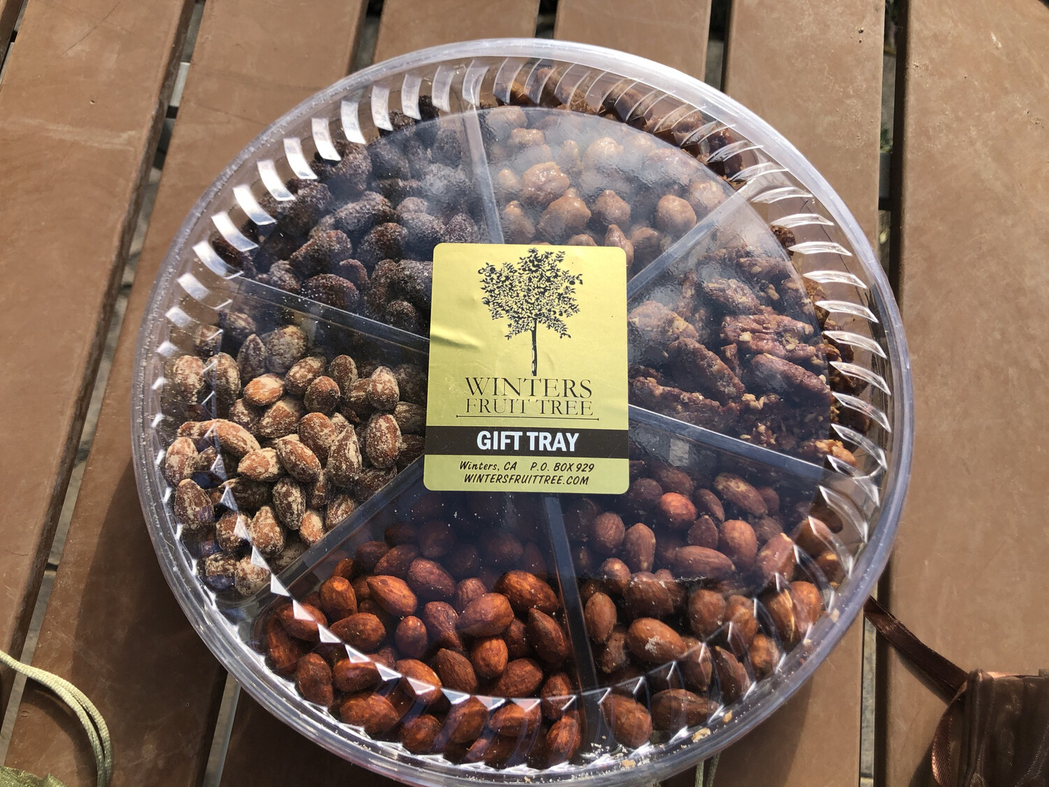 Nuts Large Mixed Gift Tray/ 22 Oz