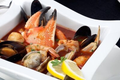Crab Cioppino Seafood Special for 4