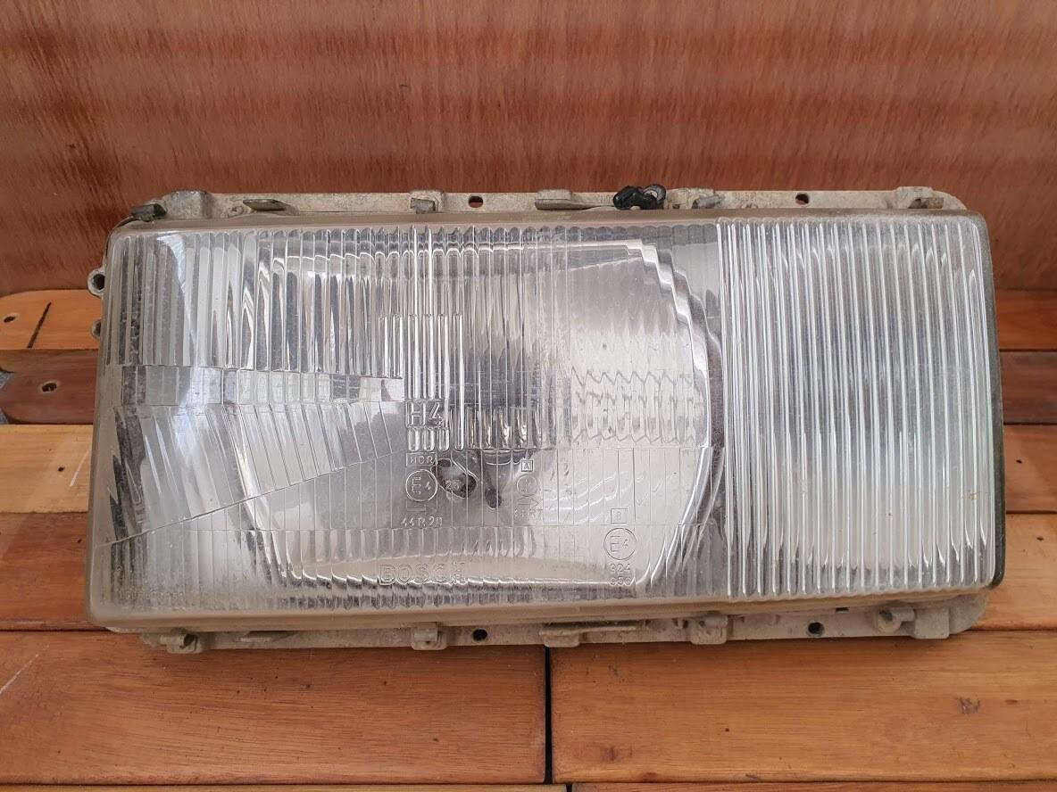 Mercedes-Benz Left Headlight (W116)