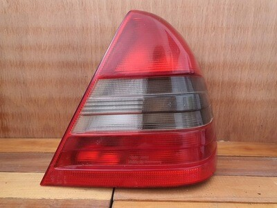 Mercedes-Benz W202 Right Tail Light