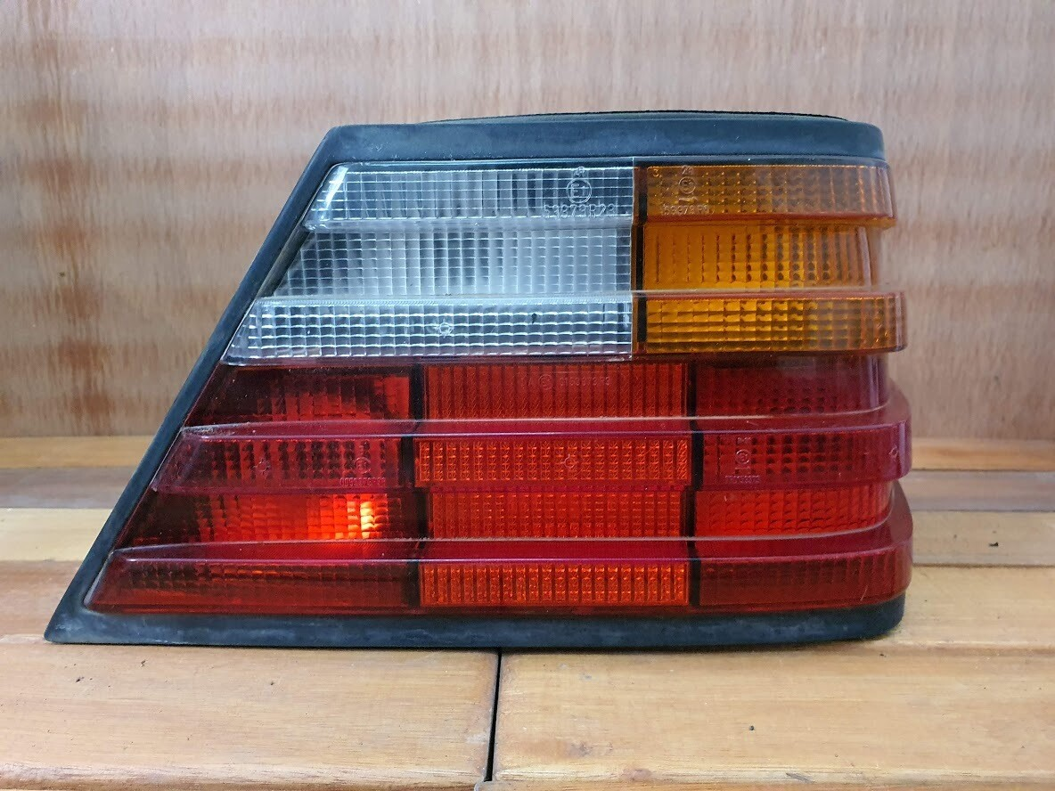 Mercedes-Benz W124 Right Tail Light