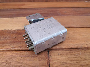 Mercedes-Benz glow plug relay (W123)