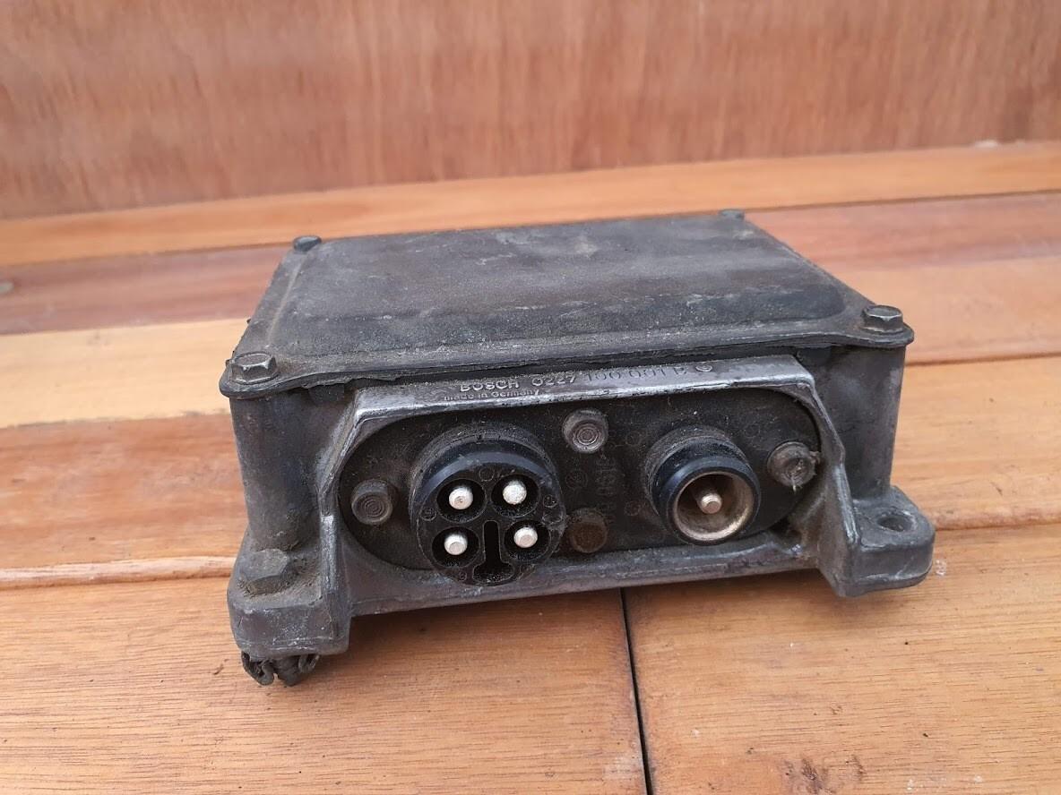 Mercedes-Benz Ignition Control Module (W116/W123/W126/R107)