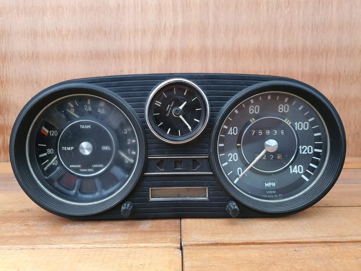 Mercedes-Benz cluster (W108/W115)