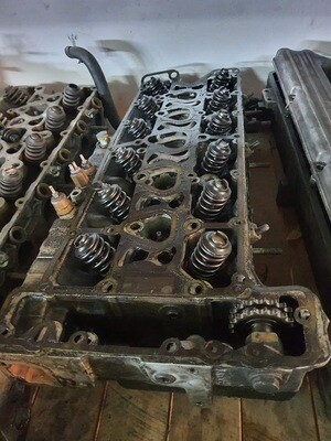 Mercedes-Benz M110 cylinder head