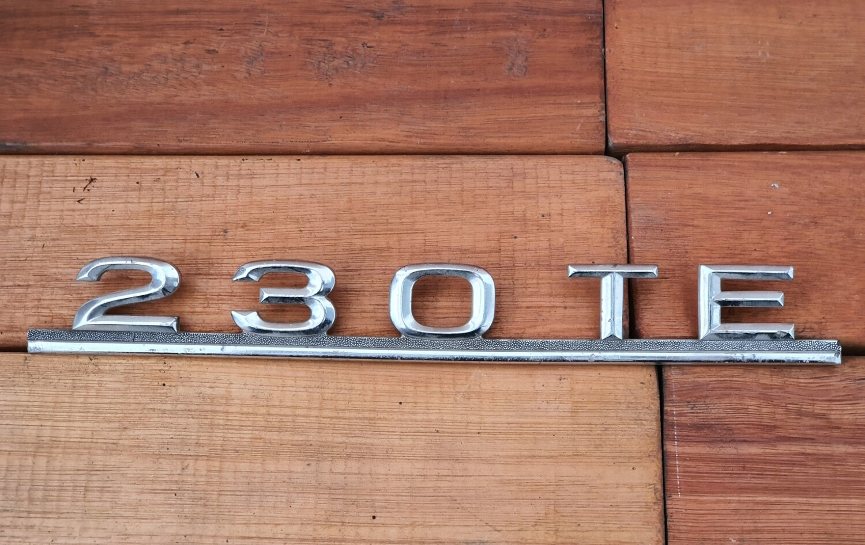 Mercedes-Benz 230TE boot badge