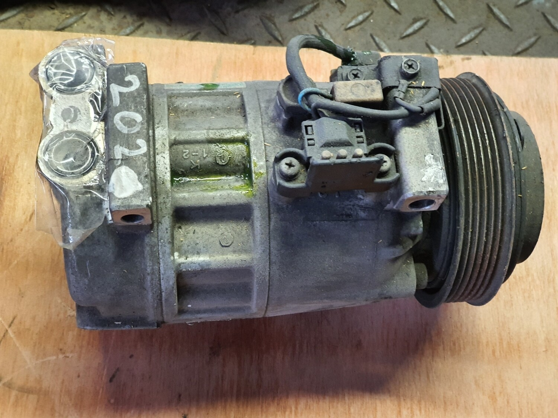 Mercedes-Benz aircon compressor (W202)