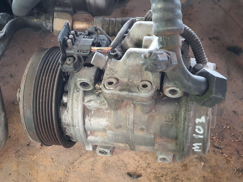 Mercedes-Benz aircon compressor (M103)