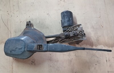 Mercedes-Benz wiper assembly (W124)