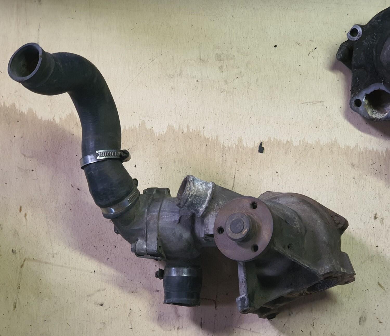 Mercedes-Benz water pump (M103 W124/W126)