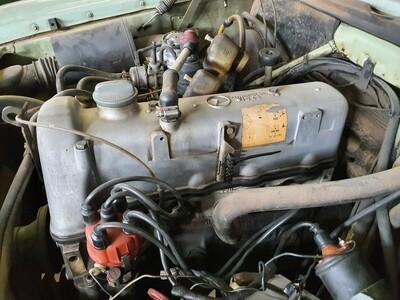 Mercedes-Benz M115 220 engine without ancillaries
