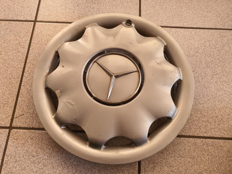 Mercedes-Benz 15 inch hubcaps