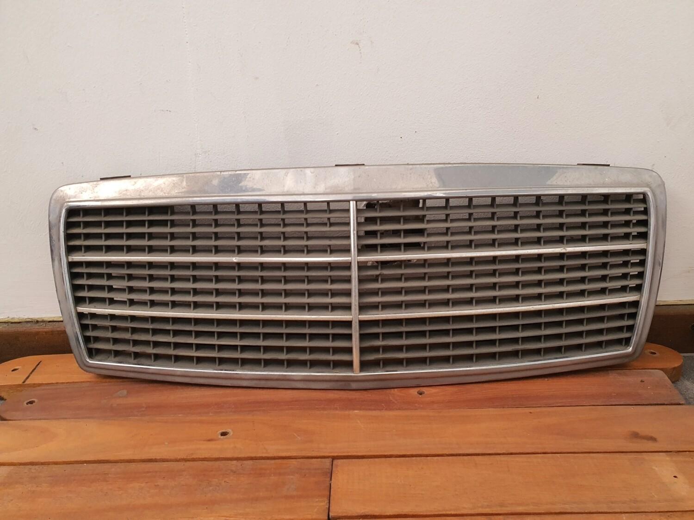 Mercedes-Benz grill (W202)