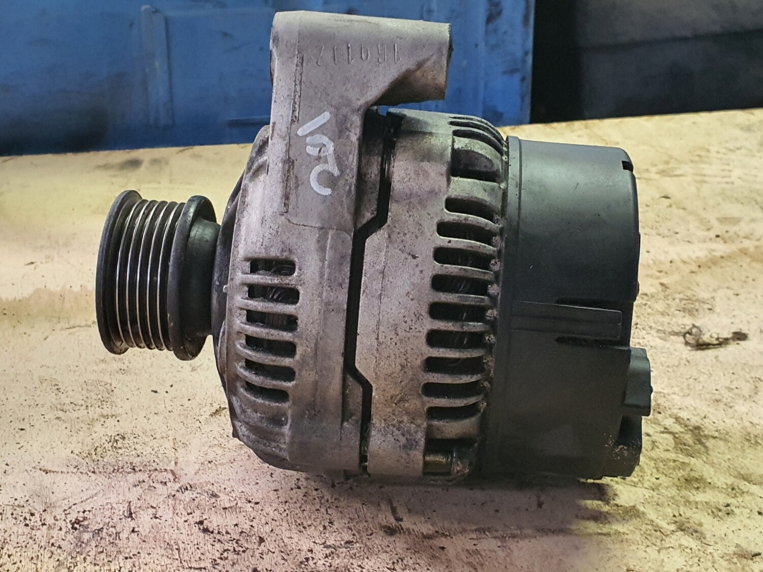 Mercedes-Benz alternator w124 and W202 (M111/M104)