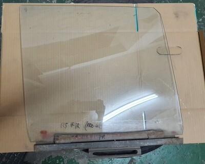 Mercedes-Benz Front Right Glass (W115)