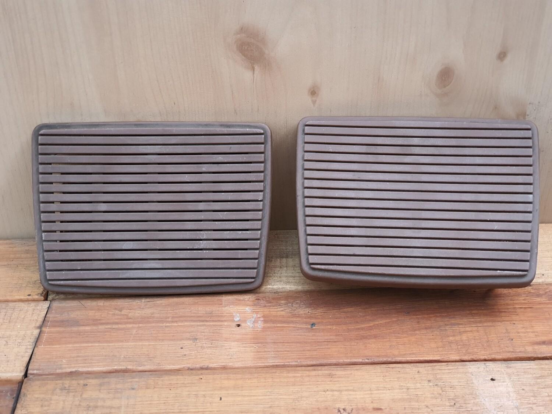 Mercedes-Benz speaker covers (W114/5)
