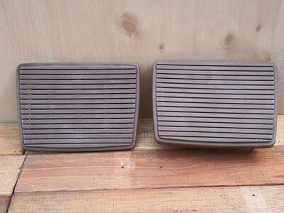 Mercedes-Benz speaker covers (W114/5)