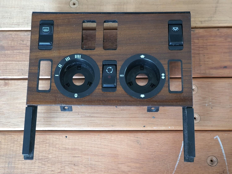 Mercedes-Benz AC Control Panel Wood Trim