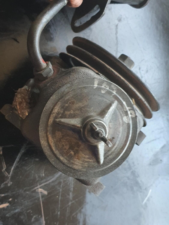 Mercedes-Benz Power Steering Pump (107/W116)