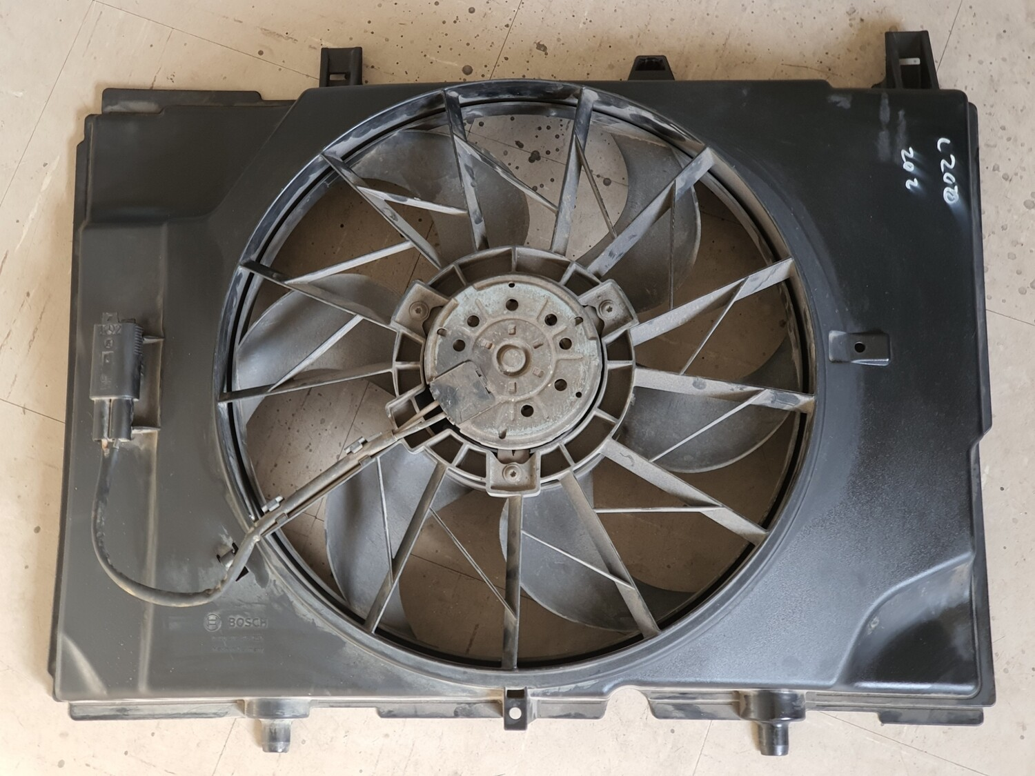 Mercedes-Benz Engine Fan with Cowling (W202)