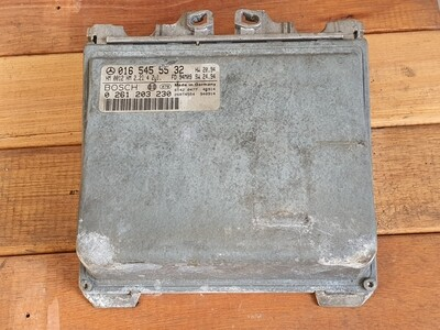 Mercedes-Benz E220 ECU Engine Control Module
